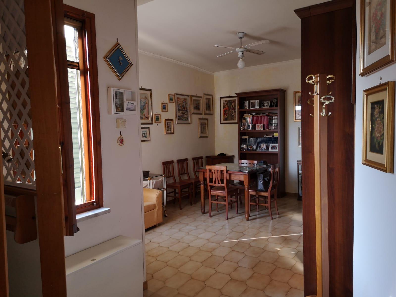 https://www.progettocasa1.it/immagini_immobili/01-10-2019/appartamento-vendita-colleferro-roma-corso-turati-122-509.jpg