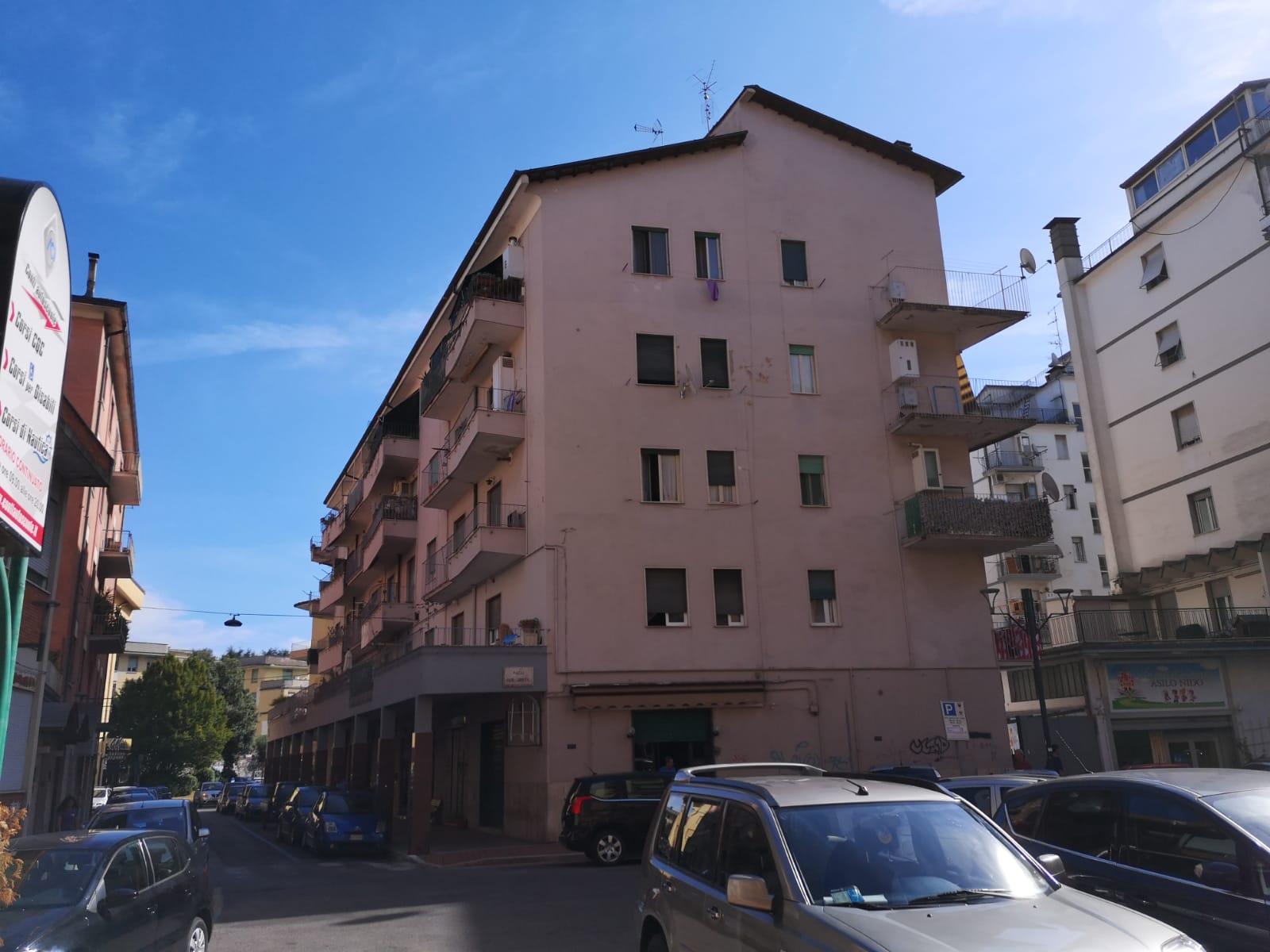 https://www.progettocasa1.it/immagini_immobili/01-10-2019/appartamento-vendita-colleferro-roma-via-pier-gobetti-12-621.jpg