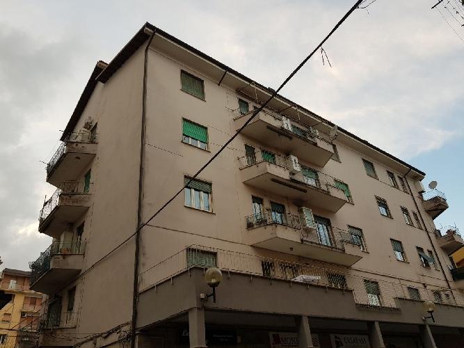 http://www.progettocasa1.it/immagini_immobili/01-12-2017/appartamento-vendita-colleferro-roma-via-enrico-ferri3-1042.jpg