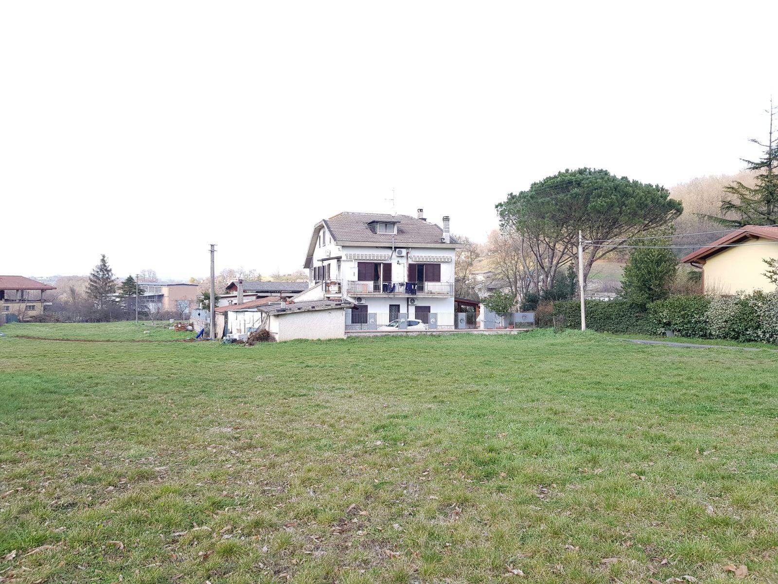 https://www.progettocasa1.it/immagini_immobili/02-03-2018/terreno-vendita-segni-roma-via-carpinetana-ovest-192.jpg