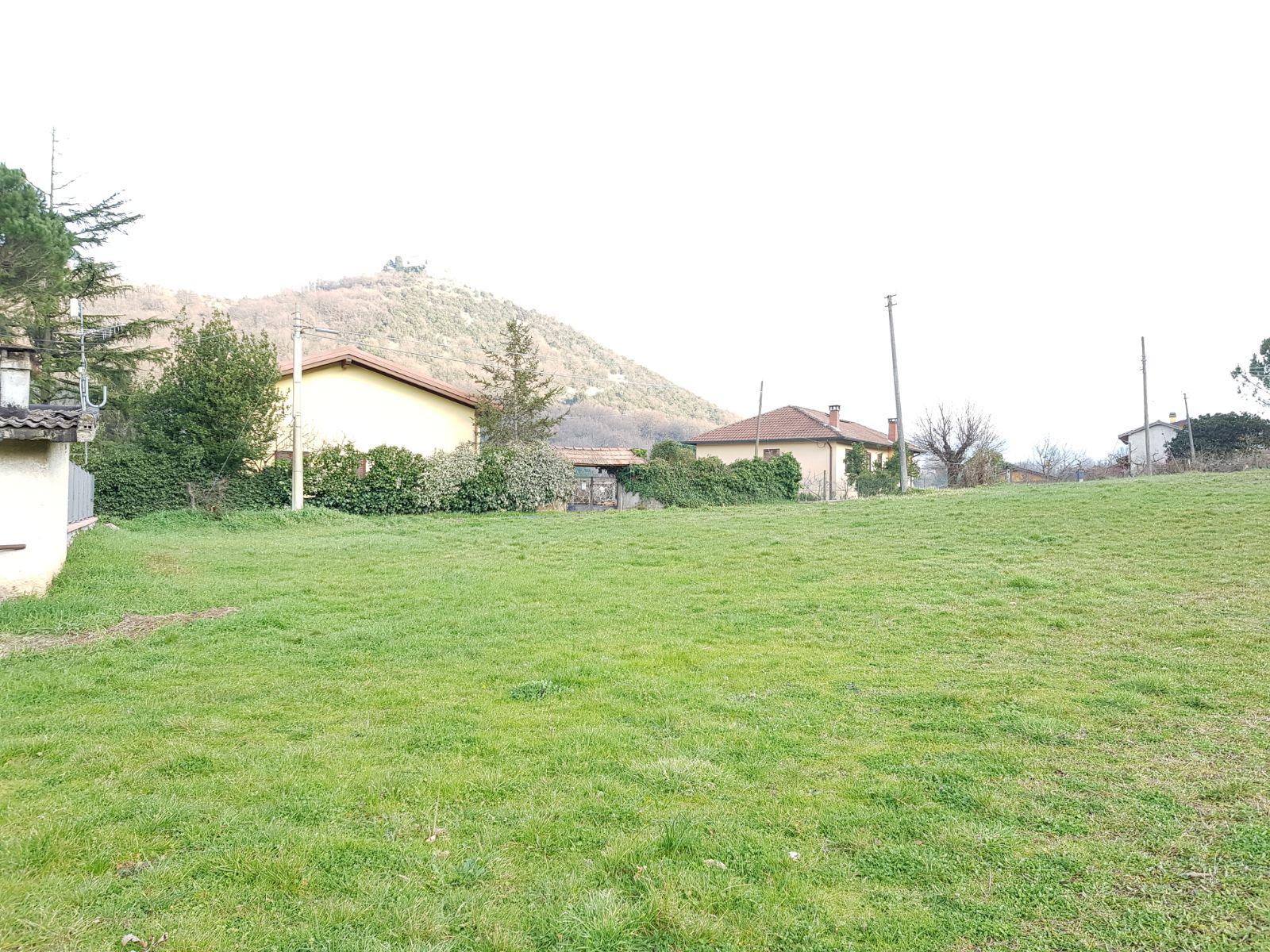 https://www.progettocasa1.it/immagini_immobili/02-03-2018/terreno-vendita-segni-roma-via-carpinetana-ovest-193.jpg