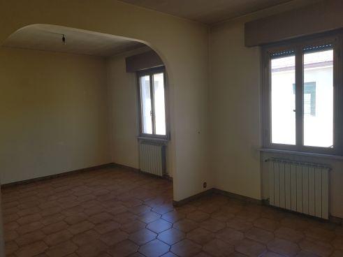 https://www.progettocasa1.it/immagini_immobili/02-03-2020/appartamento-vendita-colleferro-roma-via-aprilia-2-560.jpg