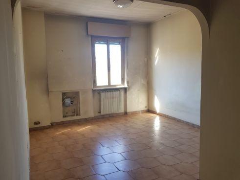 https://www.progettocasa1.it/immagini_immobili/02-03-2020/appartamento-vendita-colleferro-roma-via-aprilia-2-562.jpg