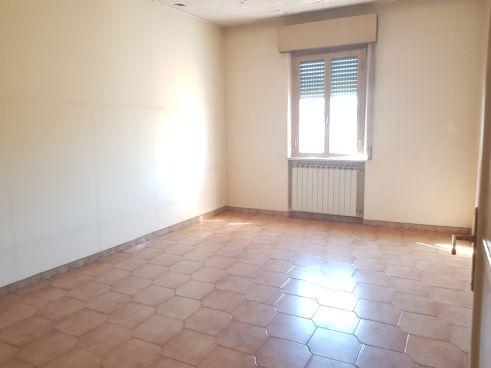 https://www.progettocasa1.it/immagini_immobili/02-03-2020/appartamento-vendita-colleferro-roma-via-aprilia-2-680.jpg