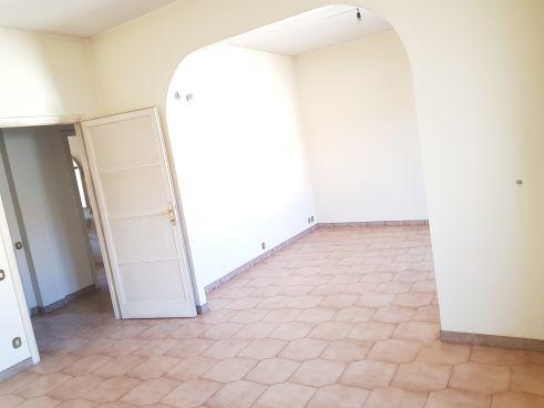 https://www.progettocasa1.it/immagini_immobili/02-03-2020/appartamento-vendita-colleferro-roma-via-aprilia-2-682.jpg