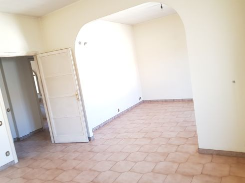 https://www.progettocasa1.it/immagini_immobili/02-03-2020/appartamento-vendita-colleferro-roma-via-aprilia-2-686.jpg