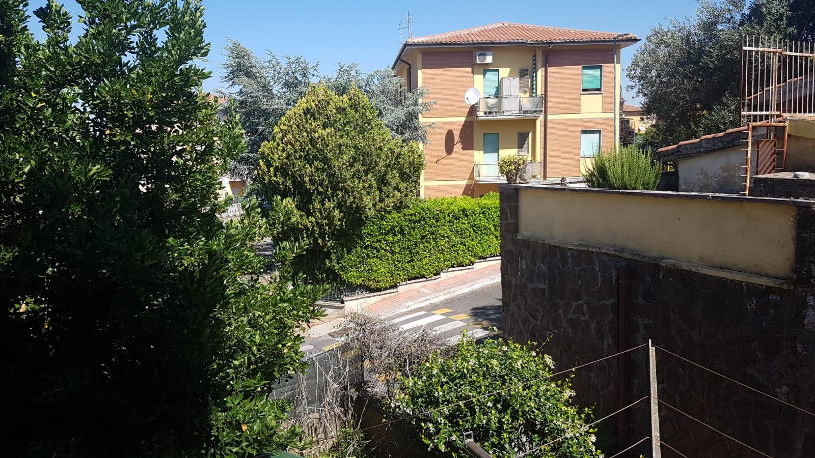 https://www.progettocasa1.it/immagini_immobili/02-08-2019/appartamento-vendita-colleferro-roma-via-antonio-gramsci-72-461.jpg