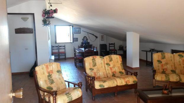 https://www.progettocasa1.it/immagini_immobili/02-08-2019/appartamento-vendita-colleferro-roma-via-dei-gelsi-4-574.jpg