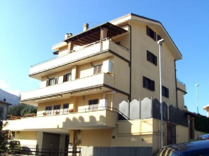 https://www.progettocasa1.it/immagini_immobili/02-08-2019/appartamento-vendita-colleferro-roma-via-dei-gelsi-4-670.jpg