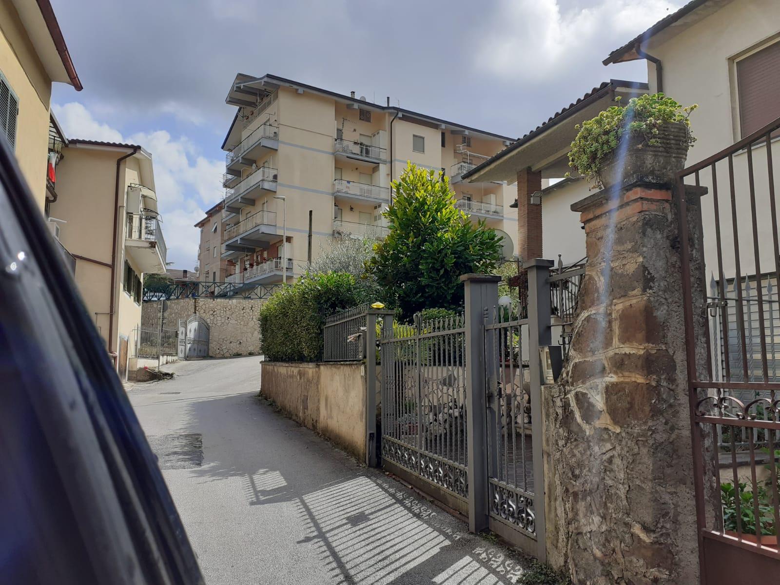 https://www.progettocasa1.it/immagini_immobili/02-10-2020/appartamento-vendita-montelanico-roma-via-della-libert-581.jpg
