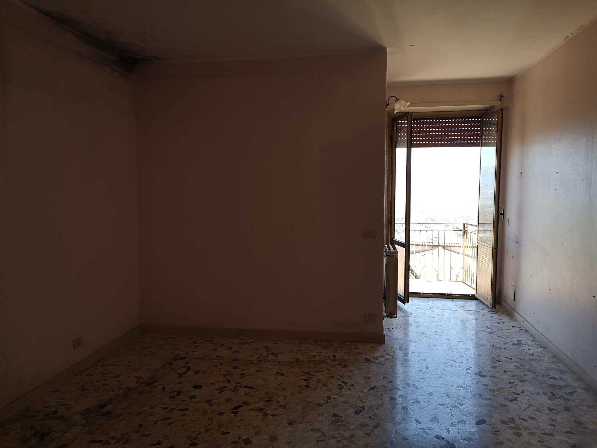 https://www.progettocasa1.it/immagini_immobili/03-03-2020/appartamento-vendita-gavignano-roma-via-delle-garzie-23-480.jpg