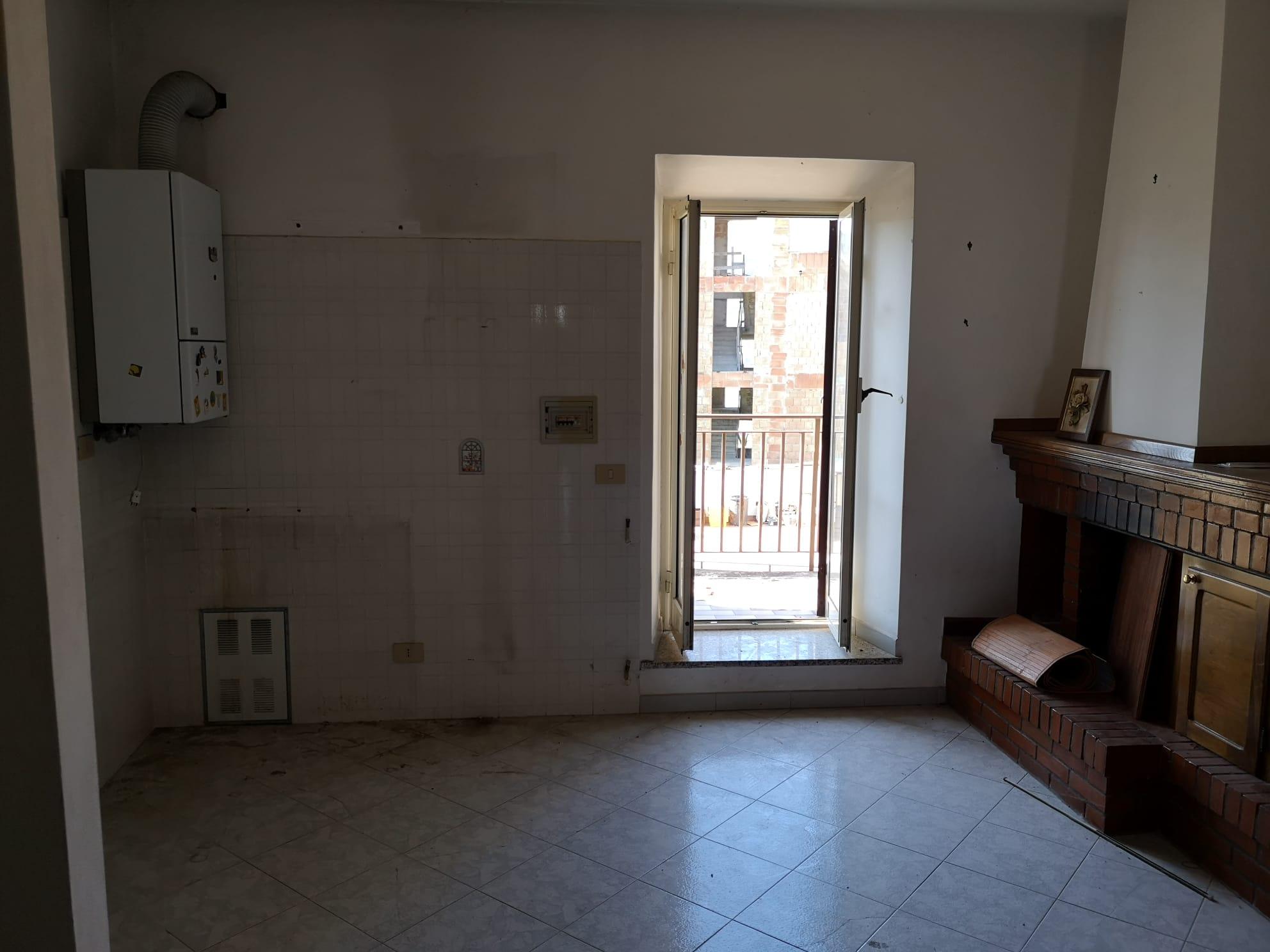 https://www.progettocasa1.it/immagini_immobili/03-03-2020/appartamento-vendita-gavignano-roma-via-delle-garzie-23-481.jpg