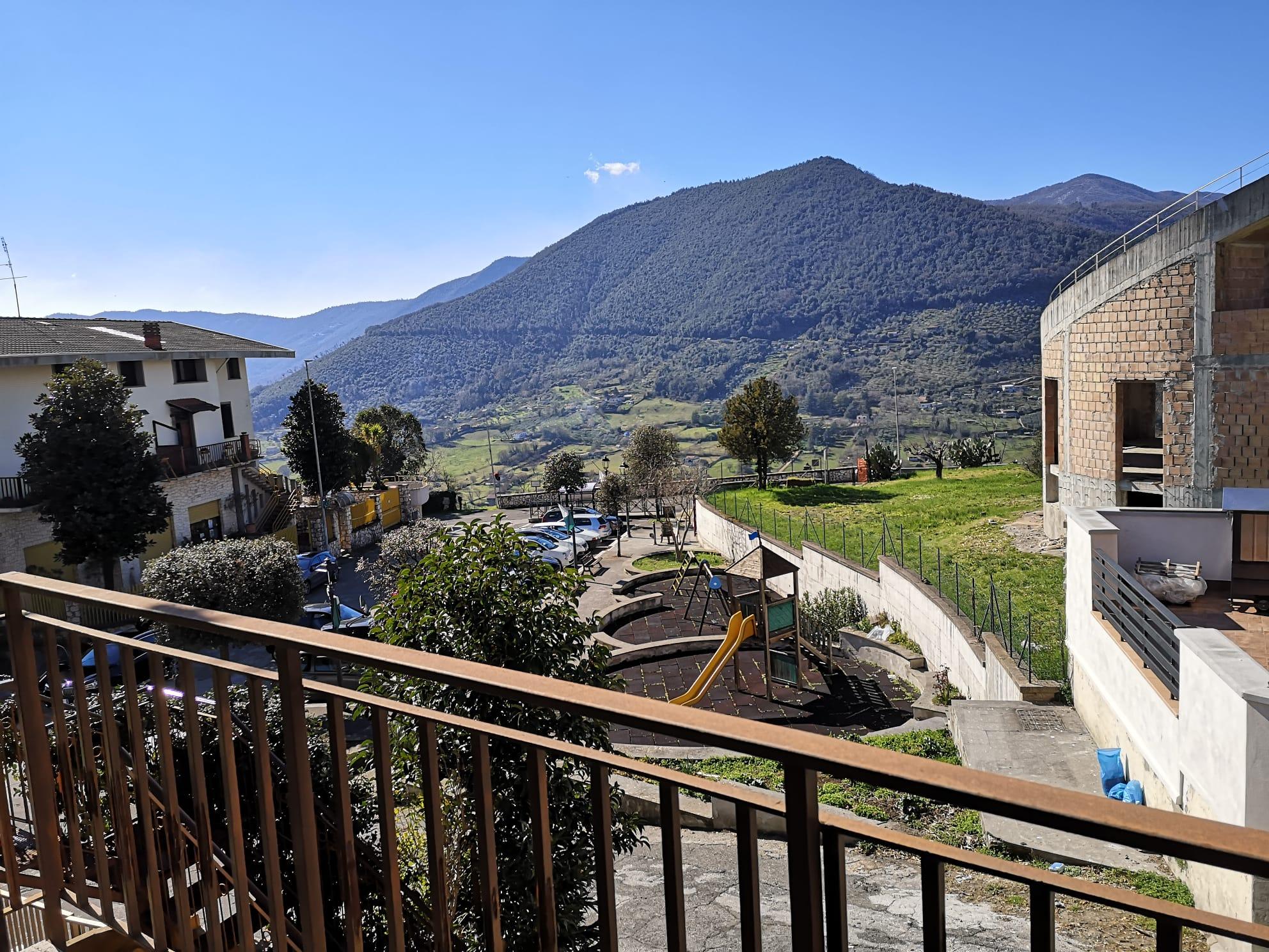 https://www.progettocasa1.it/immagini_immobili/03-03-2020/appartamento-vendita-gavignano-roma-via-delle-garzie-23-484.jpg