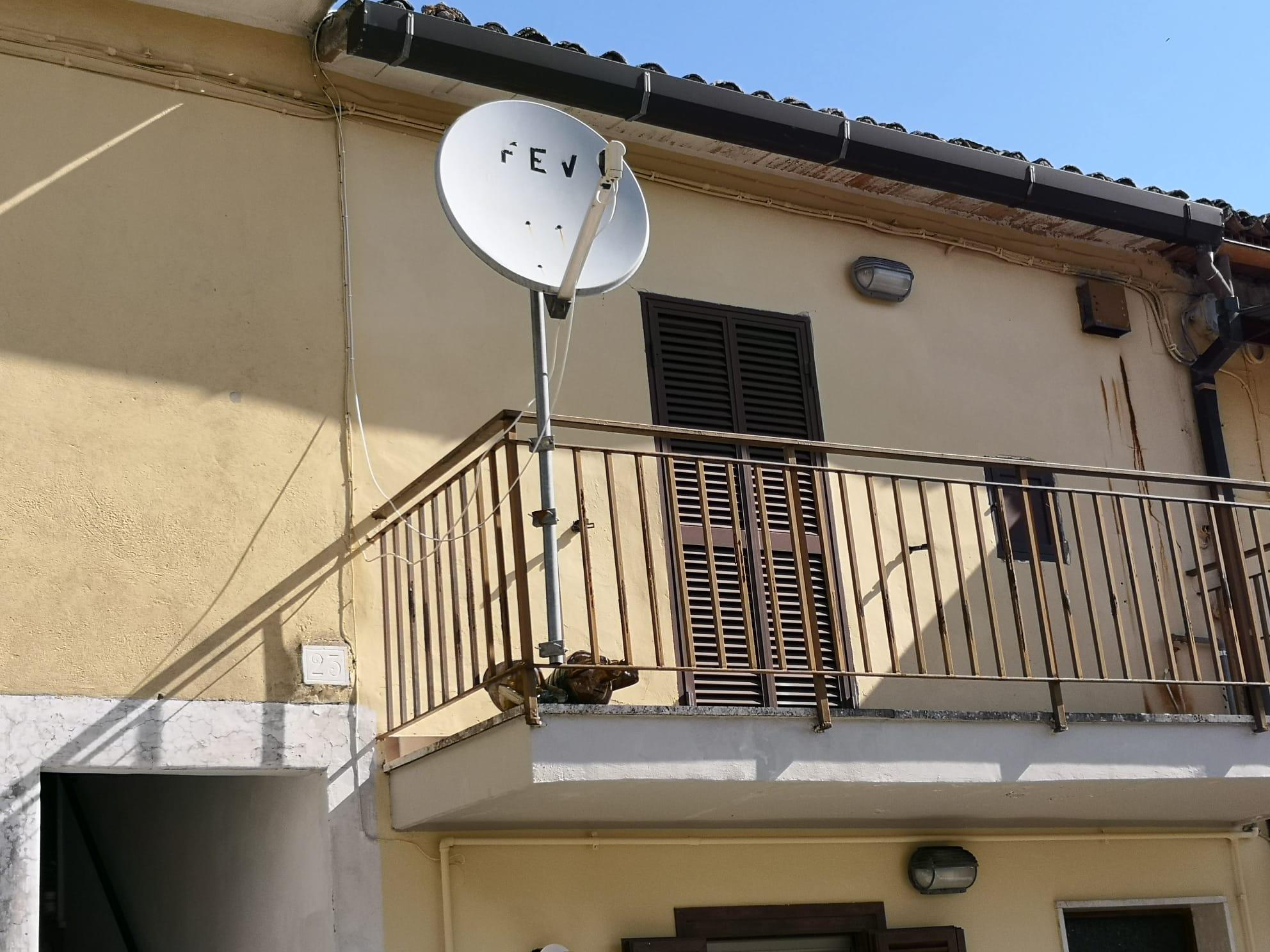 https://www.progettocasa1.it/immagini_immobili/03-03-2020/appartamento-vendita-gavignano-roma-via-delle-garzie-23-570.jpg