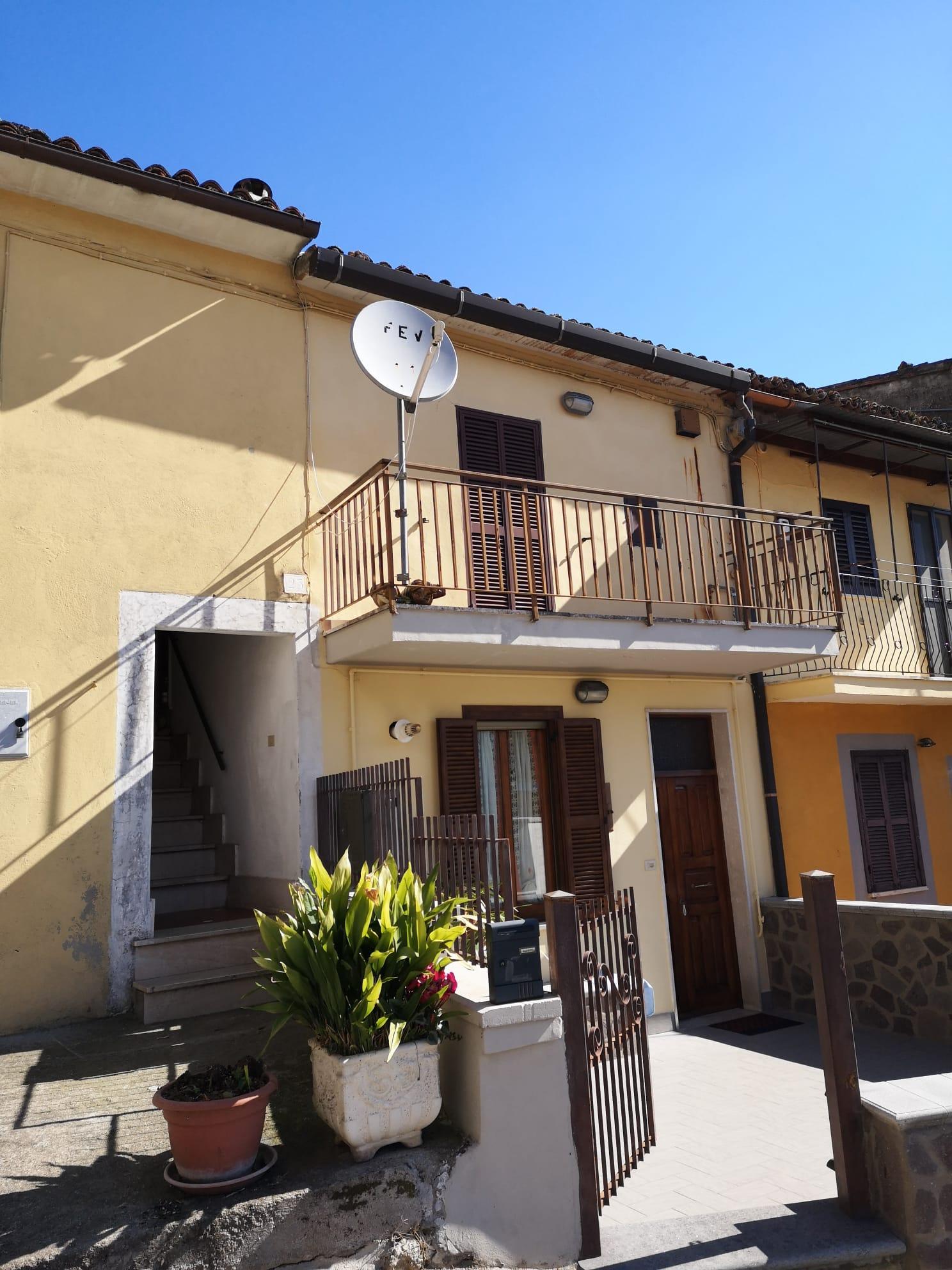 https://www.progettocasa1.it/immagini_immobili/03-03-2020/appartamento-vendita-gavignano-roma-via-delle-garzie-23-836.jpg