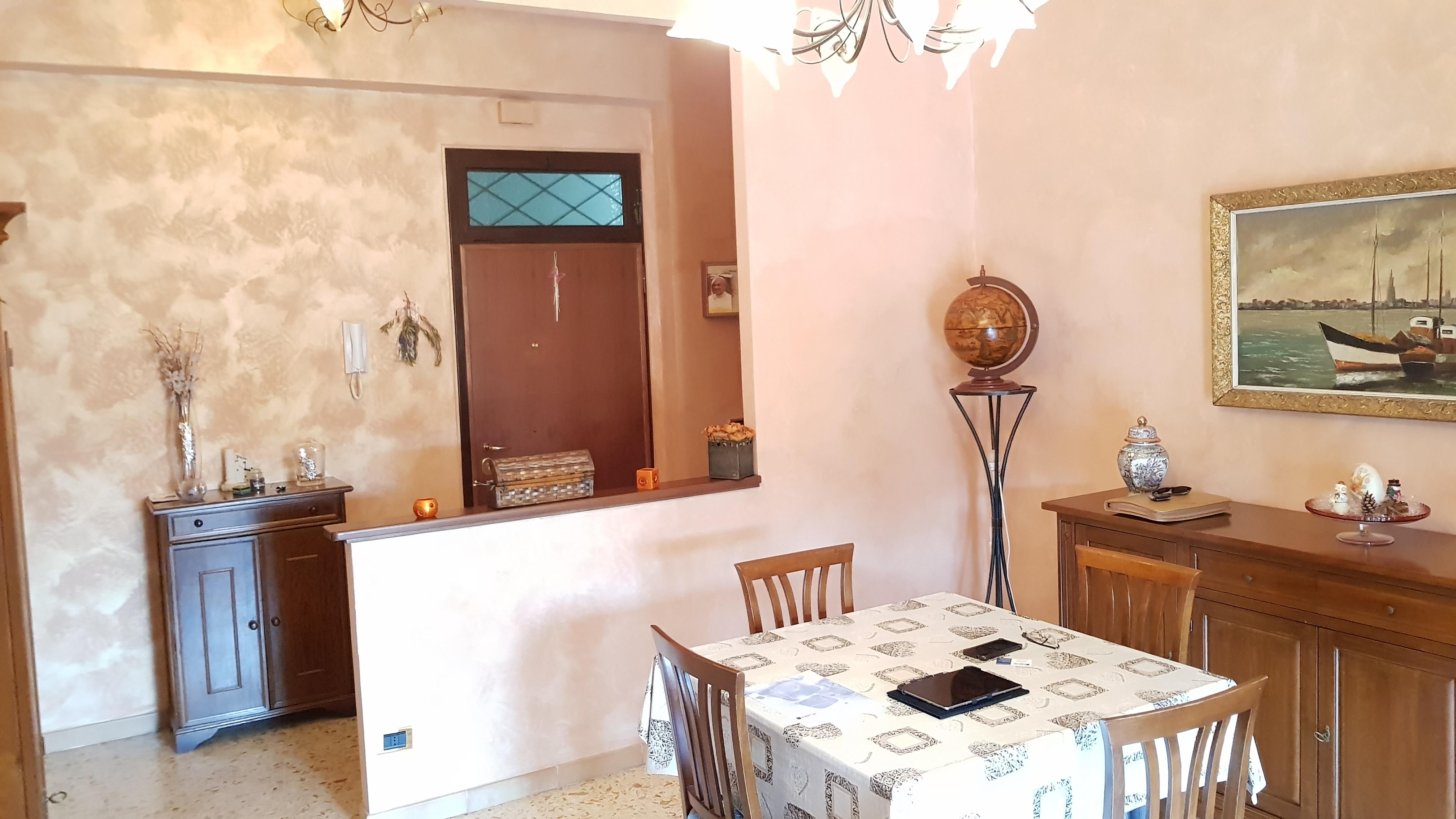 https://www.progettocasa1.it/immagini_immobili/03-09-2018/appartamento-vendita-colleferro-roma-via-enrico-ferri-3-220.jpg