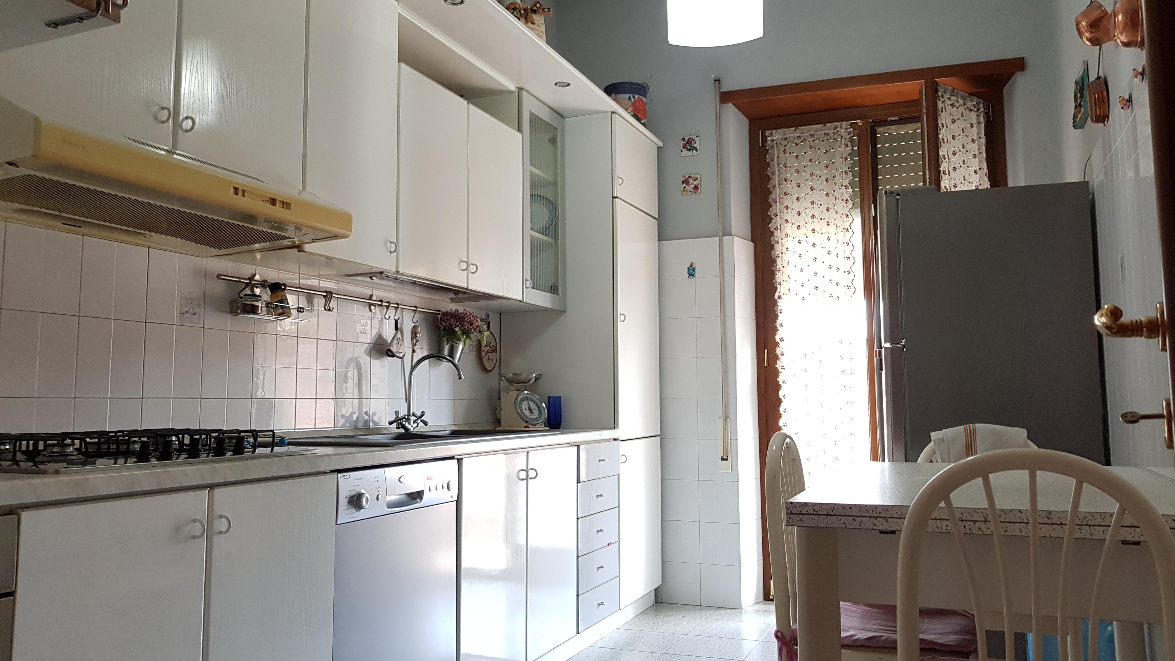 https://www.progettocasa1.it/immagini_immobili/03-09-2018/appartamento-vendita-colleferro-roma-via-enrico-ferri-3-223.jpg