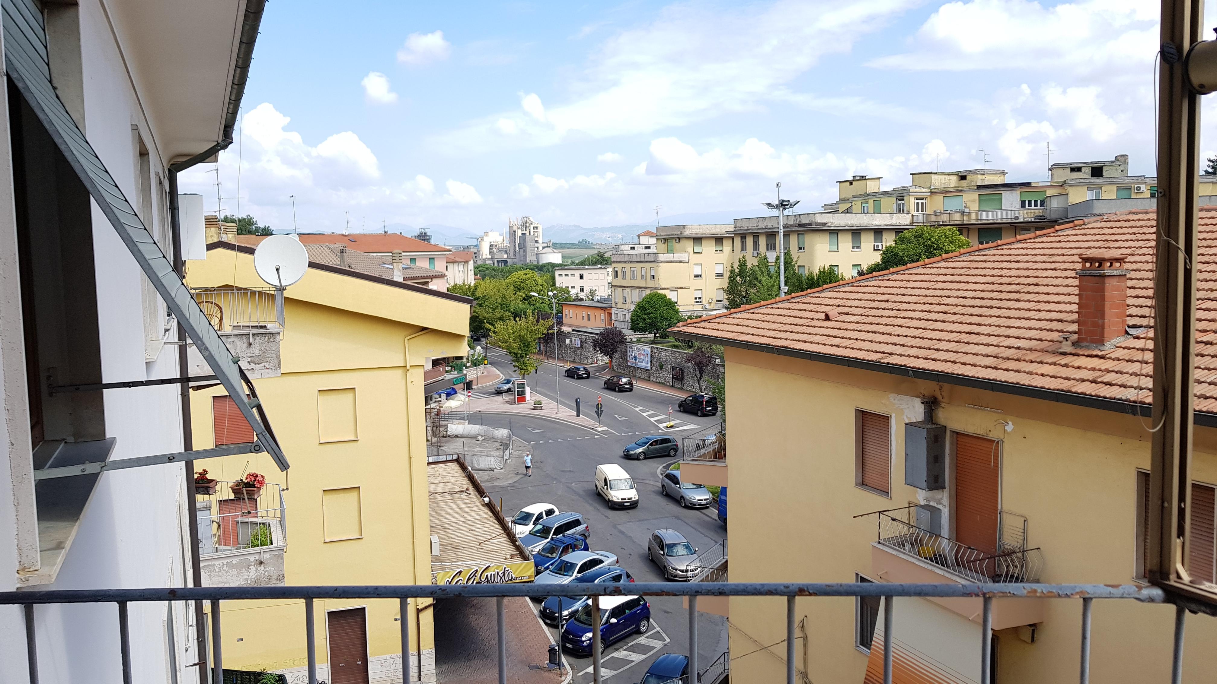 https://www.progettocasa1.it/immagini_immobili/03-09-2018/appartamento-vendita-colleferro-roma-via-enrico-ferri-3-224.jpg
