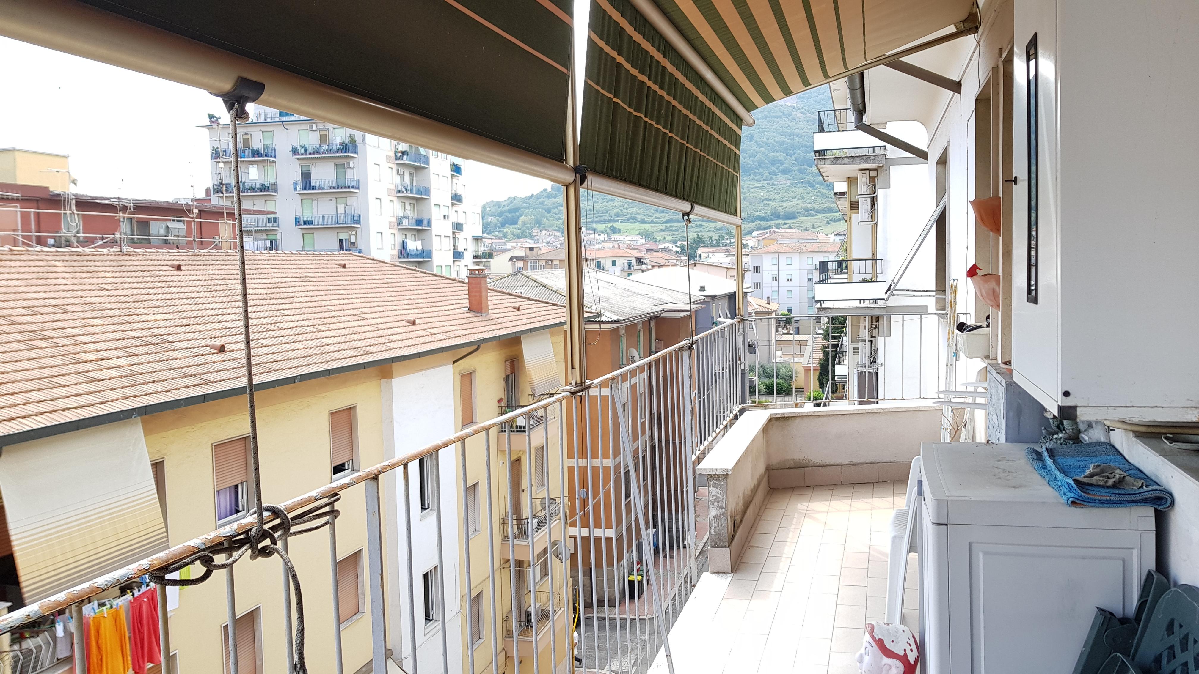 https://www.progettocasa1.it/immagini_immobili/03-09-2018/appartamento-vendita-colleferro-roma-via-enrico-ferri-3-225.jpg
