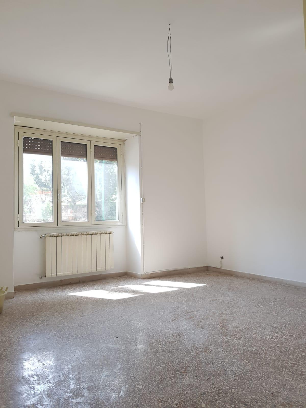 https://www.progettocasa1.it/immagini_immobili/03-09-2020/appartamento-vendita-colleferro-roma-via-santa-barbara-2-519.jpg