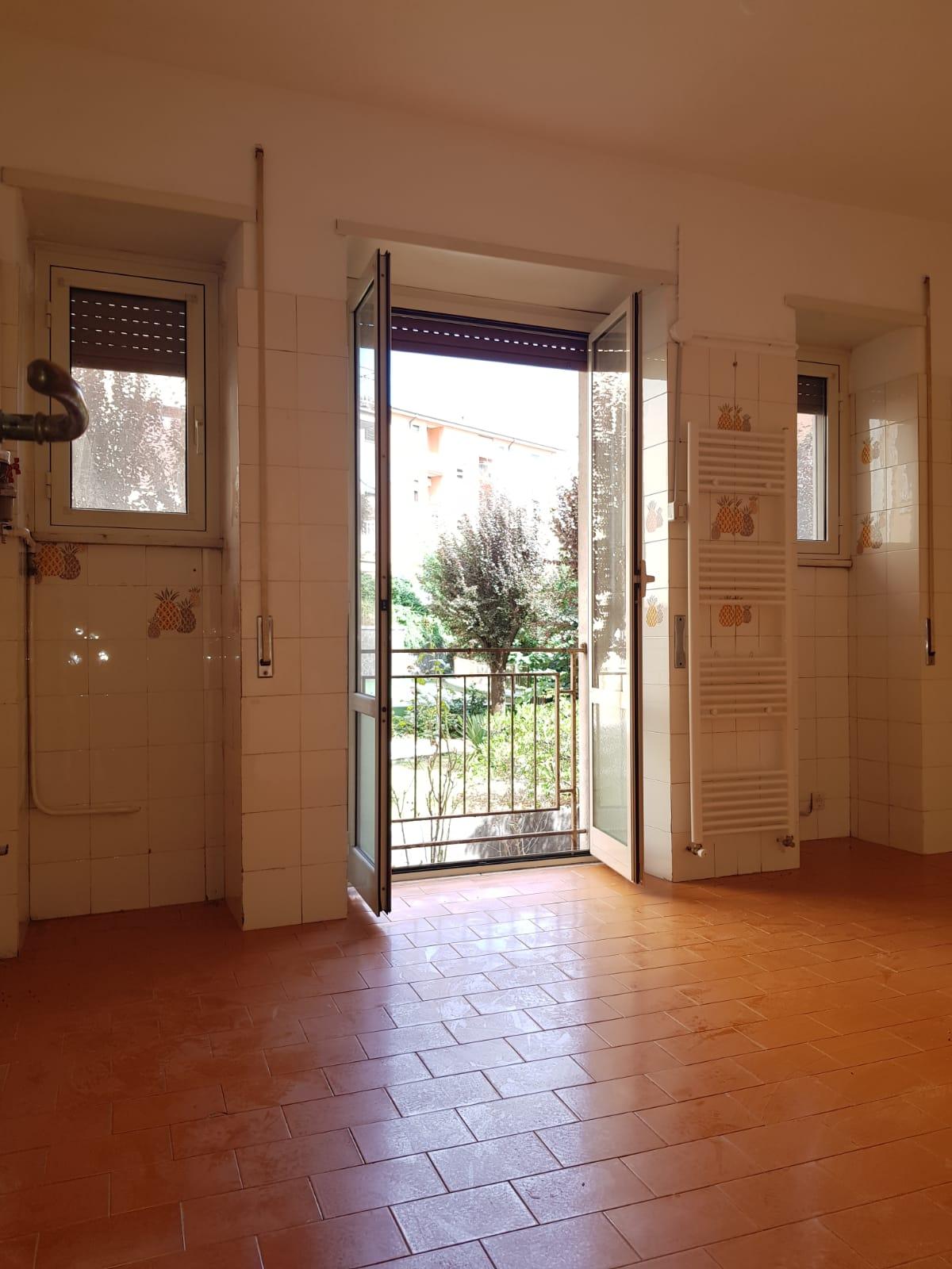 https://www.progettocasa1.it/immagini_immobili/03-09-2020/appartamento-vendita-colleferro-roma-via-santa-barbara-2-526.jpg
