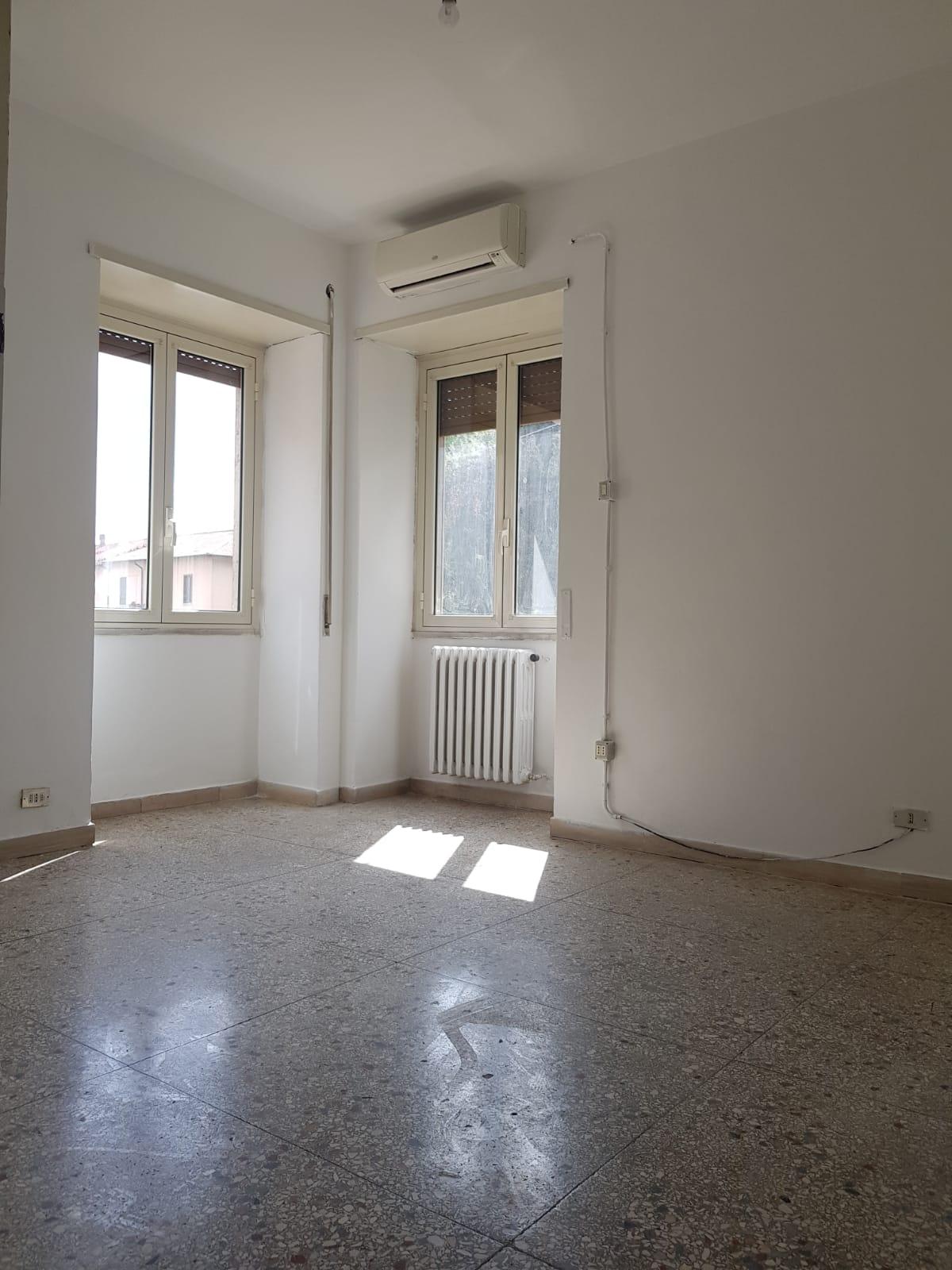 https://www.progettocasa1.it/immagini_immobili/03-09-2020/appartamento-vendita-colleferro-roma-via-santa-barbara-2-529.jpg