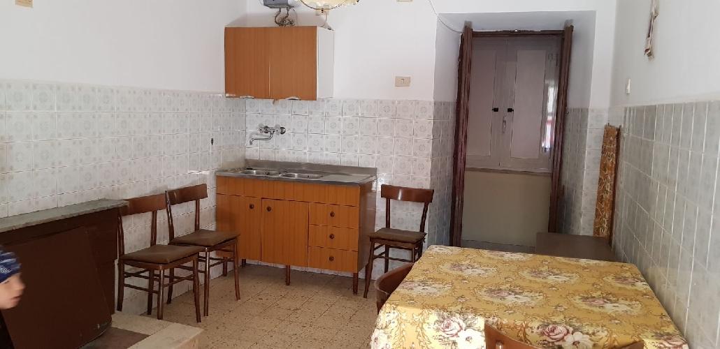 https://www.progettocasa1.it/immagini_immobili/04-05-2018/appartamento-vendita-sonnino-lt-via-borgo-s-antonio-435.jpg