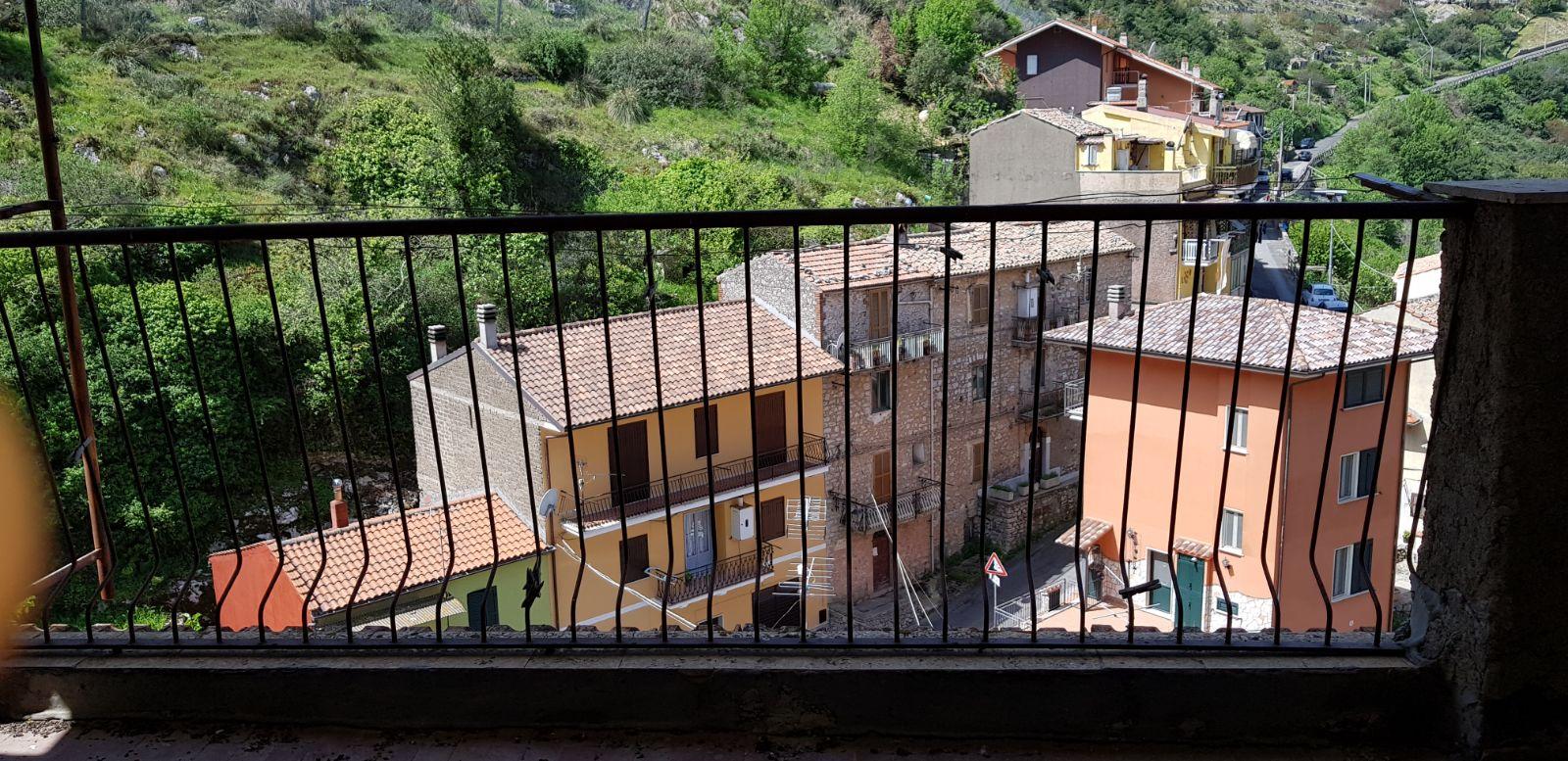 https://www.progettocasa1.it/immagini_immobili/04-05-2018/appartamento-vendita-sonnino-lt-via-borgo-s-antonio-65.jpg