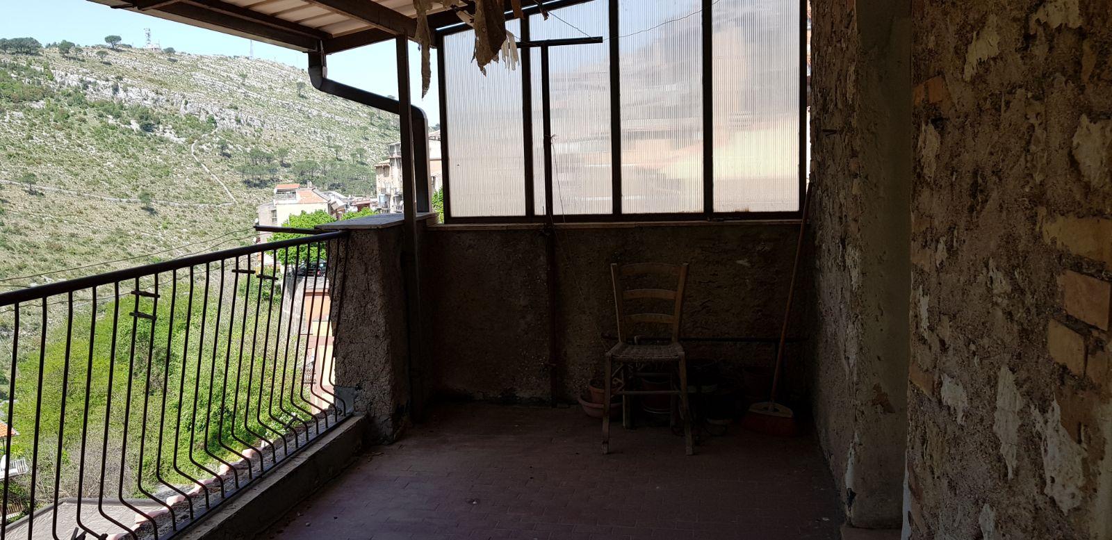 https://www.progettocasa1.it/immagini_immobili/04-05-2018/appartamento-vendita-sonnino-lt-via-borgo-s-antonio-97.jpg