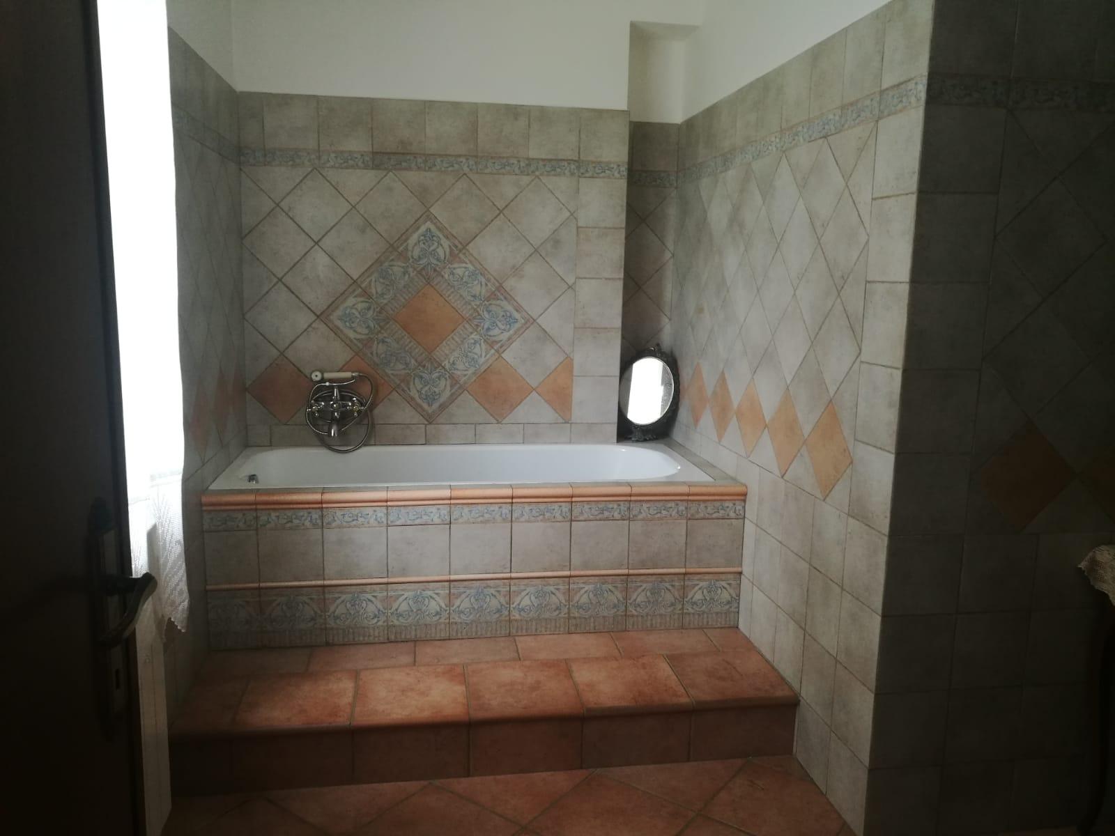 https://www.progettocasa1.it/immagini_immobili/04-06-2019/soluzione-indipendente-vendita-colleferro-roma--185.jpg