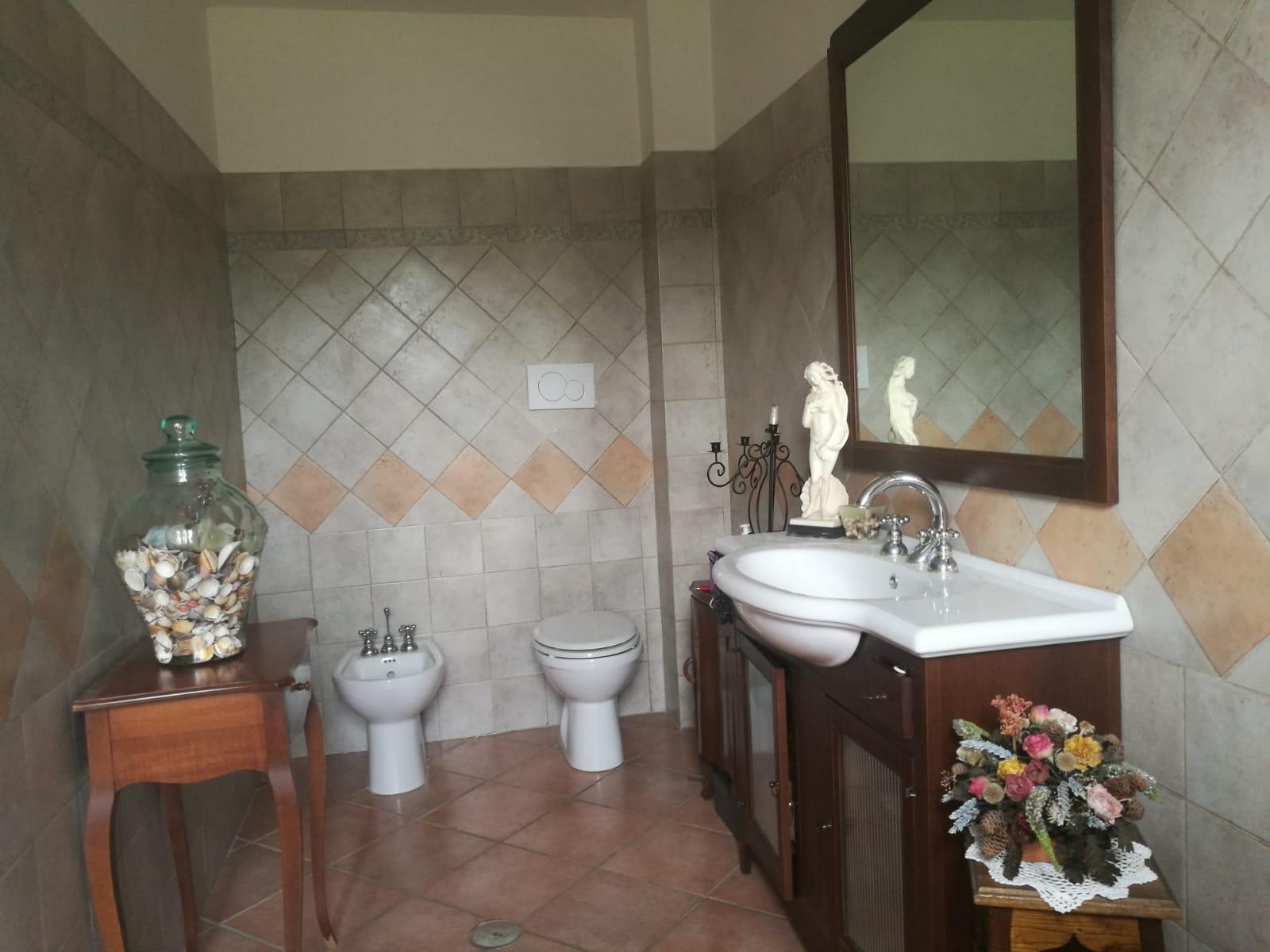 https://www.progettocasa1.it/immagini_immobili/04-06-2019/soluzione-indipendente-vendita-colleferro-roma--186.jpg