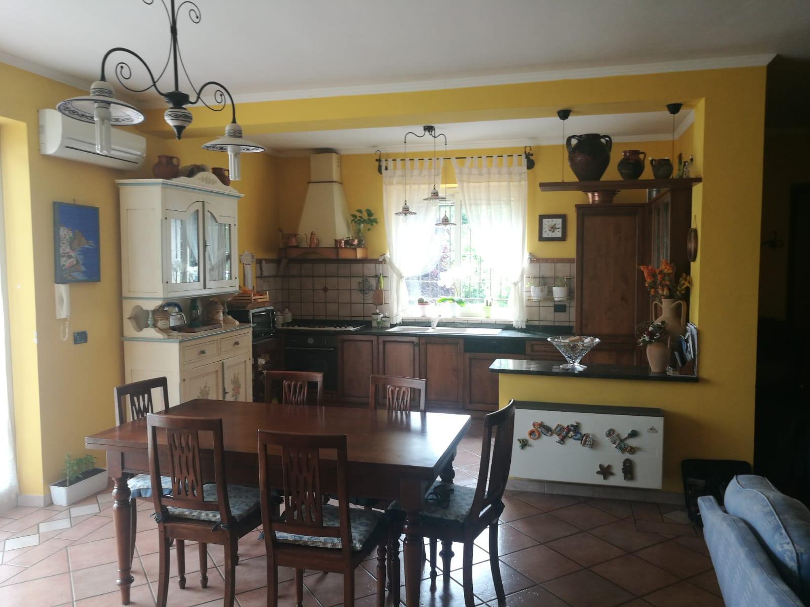 https://www.progettocasa1.it/immagini_immobili/04-06-2019/soluzione-indipendente-vendita-colleferro-roma--293.jpg