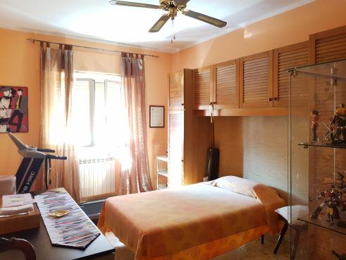 https://www.progettocasa1.it/immagini_immobili/04-09-2019/appartamento-vendita-colleferro-roma-via-giuseppe-di-vittorio-64-332.jpg
