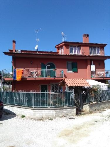 https://www.progettocasa1.it/immagini_immobili/04-10-2018/soluzione-indipendente-affitto-colleferro-roma-via-latina-244-538.jpg