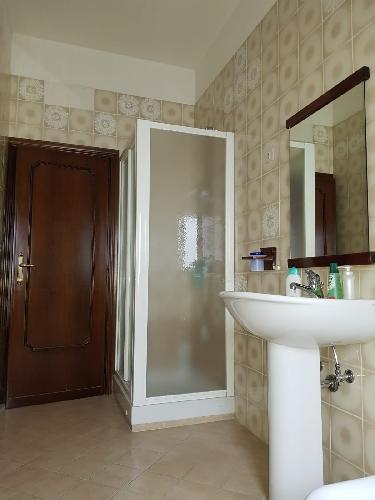 https://www.progettocasa1.it/immagini_immobili/04-10-2019/appartamento-vendita-colleferro-roma-via-salvo-dacquisto-19-760.jpg