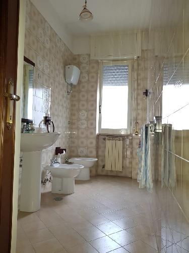 https://www.progettocasa1.it/immagini_immobili/04-10-2019/appartamento-vendita-colleferro-roma-via-salvo-dacquisto-19-761.jpg