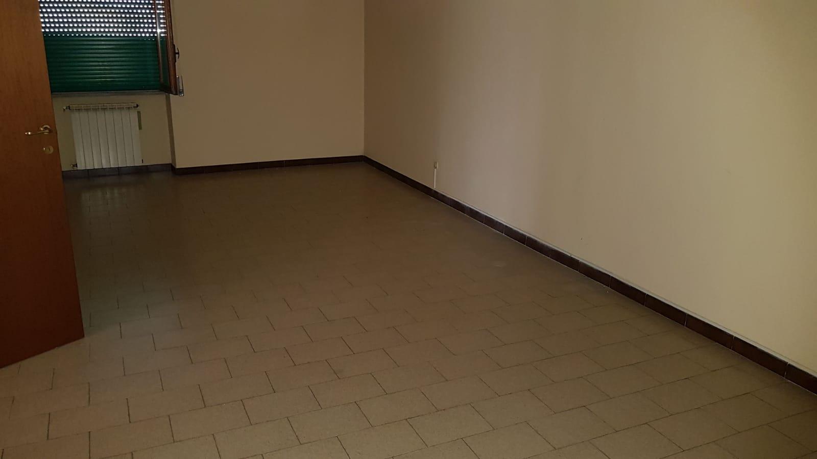 https://www.progettocasa1.it/immagini_immobili/05-06-2018/appartamento-vendita-colleferro-roma-via-pontinia-1-170.jpg