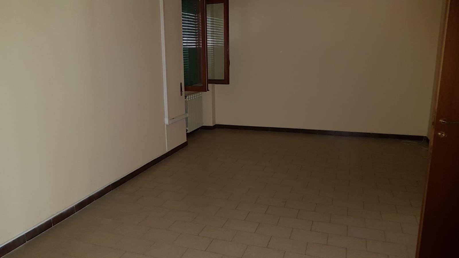 https://www.progettocasa1.it/immagini_immobili/05-06-2018/appartamento-vendita-colleferro-roma-via-pontinia-1-171.jpg