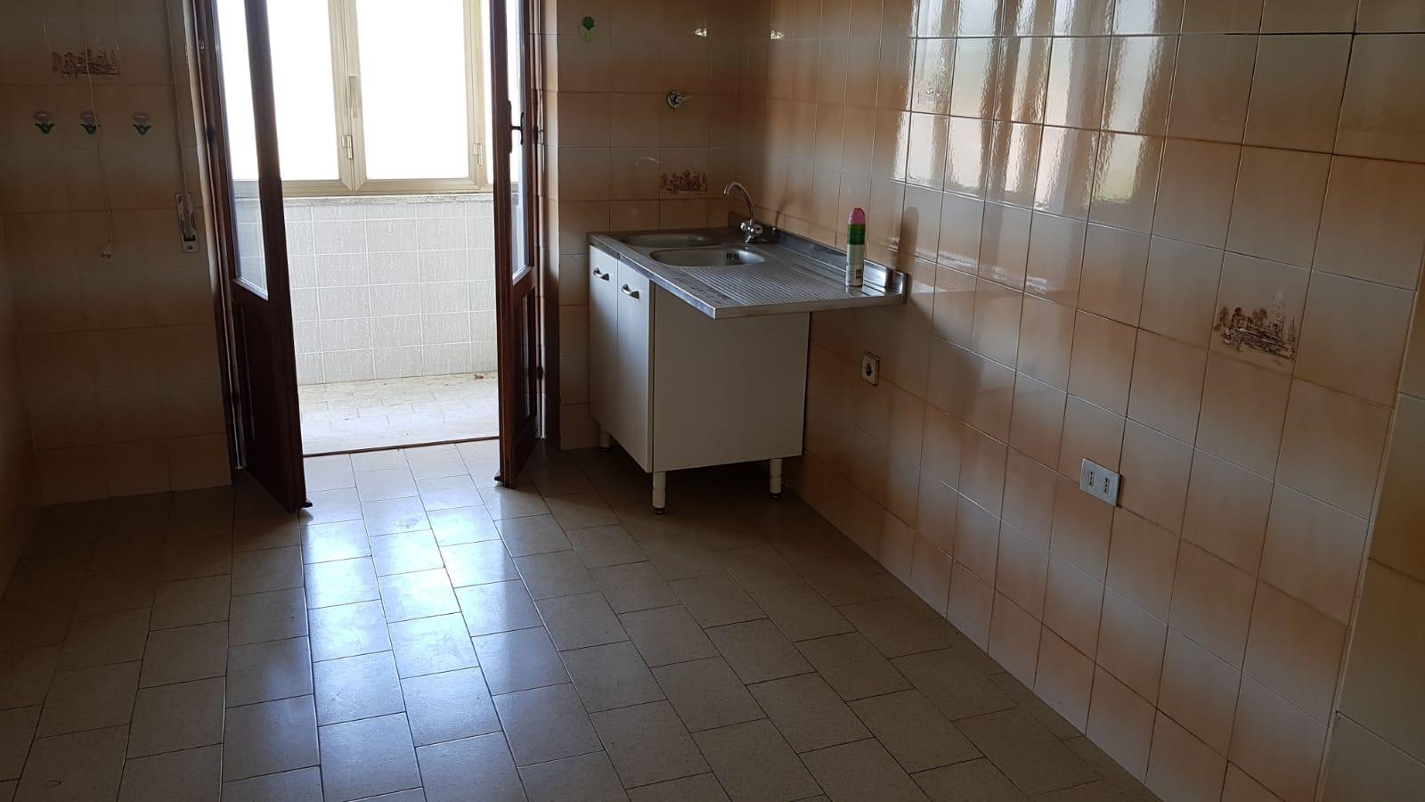 https://www.progettocasa1.it/immagini_immobili/05-06-2018/appartamento-vendita-colleferro-roma-via-pontinia-1-174.jpg