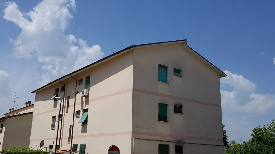 https://www.progettocasa1.it/immagini_immobili/05-06-2018/appartamento-vendita-colleferro-roma-via-pontinia-1-180.jpg
