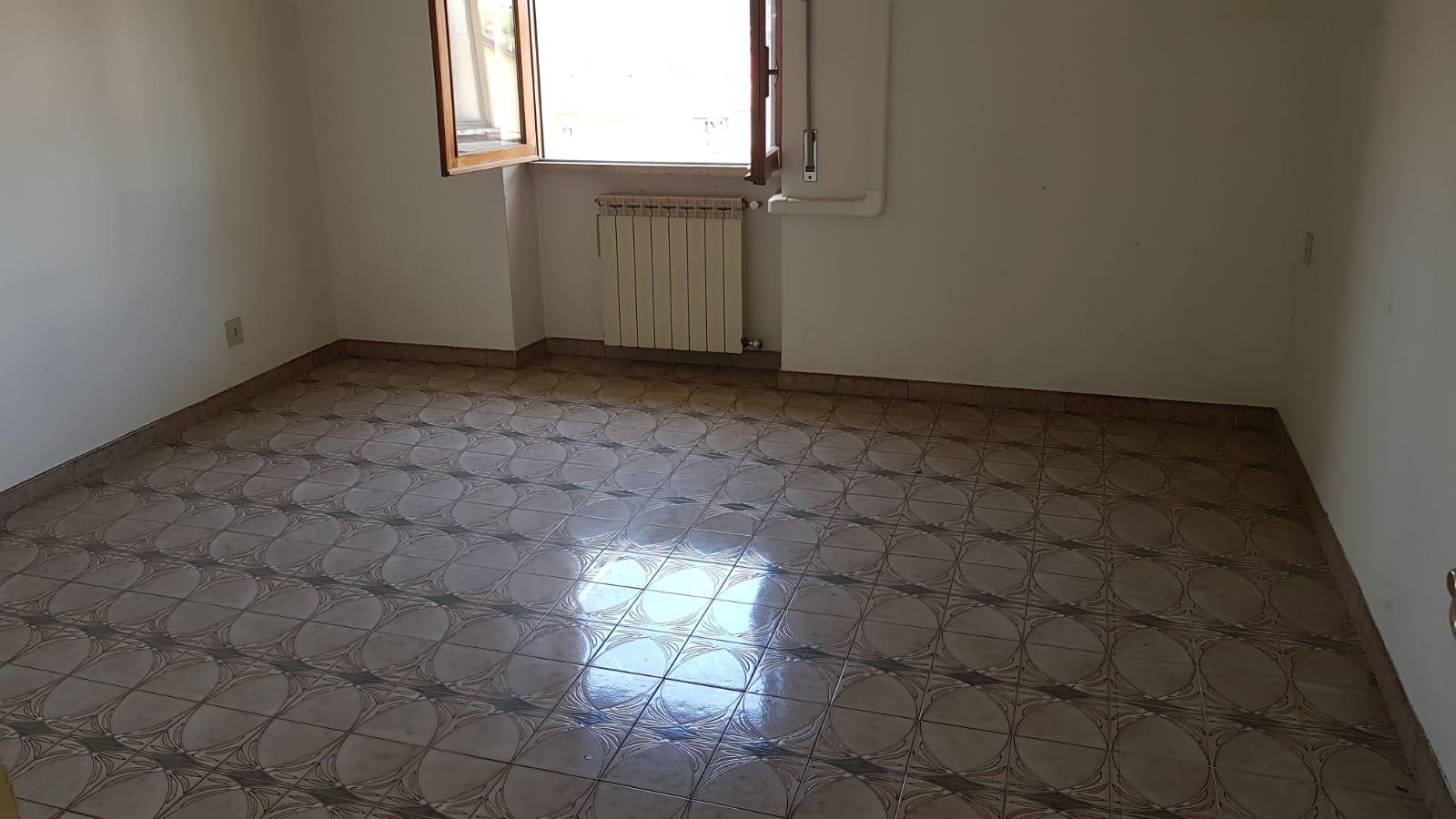 https://www.progettocasa1.it/immagini_immobili/05-06-2018/appartamento-vendita-colleferro-roma-via-pontinia-1-185.jpg