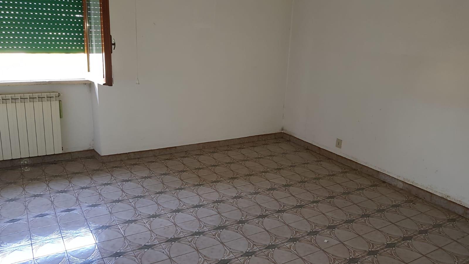 https://www.progettocasa1.it/immagini_immobili/05-06-2018/appartamento-vendita-colleferro-roma-via-pontinia-1-187.jpg