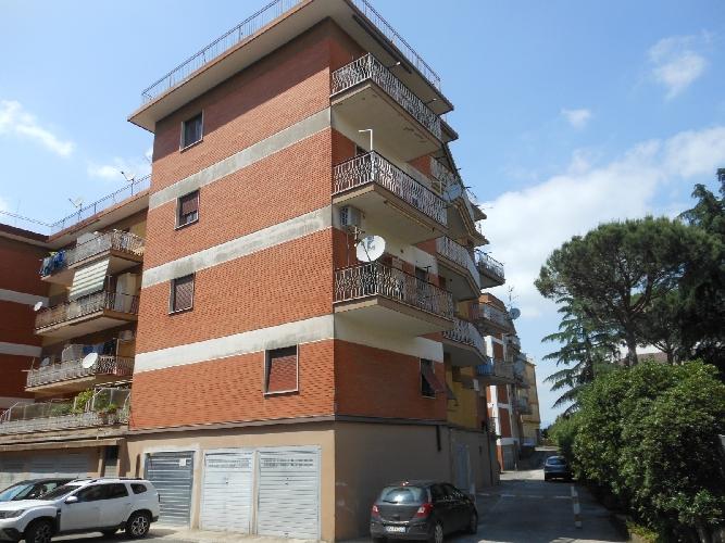 https://www.progettocasa1.it/immagini_immobili/05-06-2019/appartamento-affitto-colleferro-roma-via-giotto-971.jpg