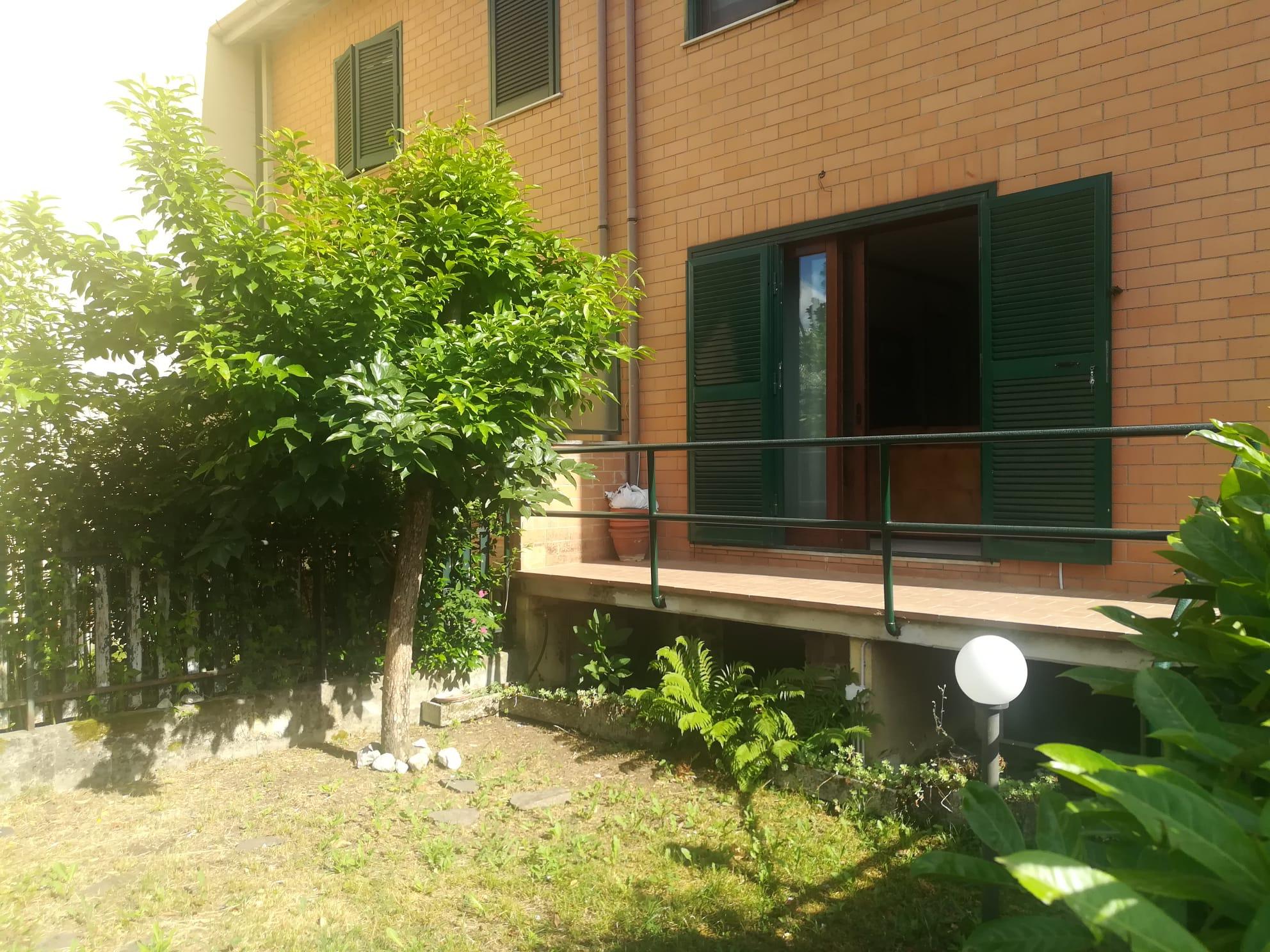 https://www.progettocasa1.it/immagini_immobili/05-06-2020/soluzione-indipendente-vendita-colleferro-roma-via-fontana-delloste-13-558.jpg