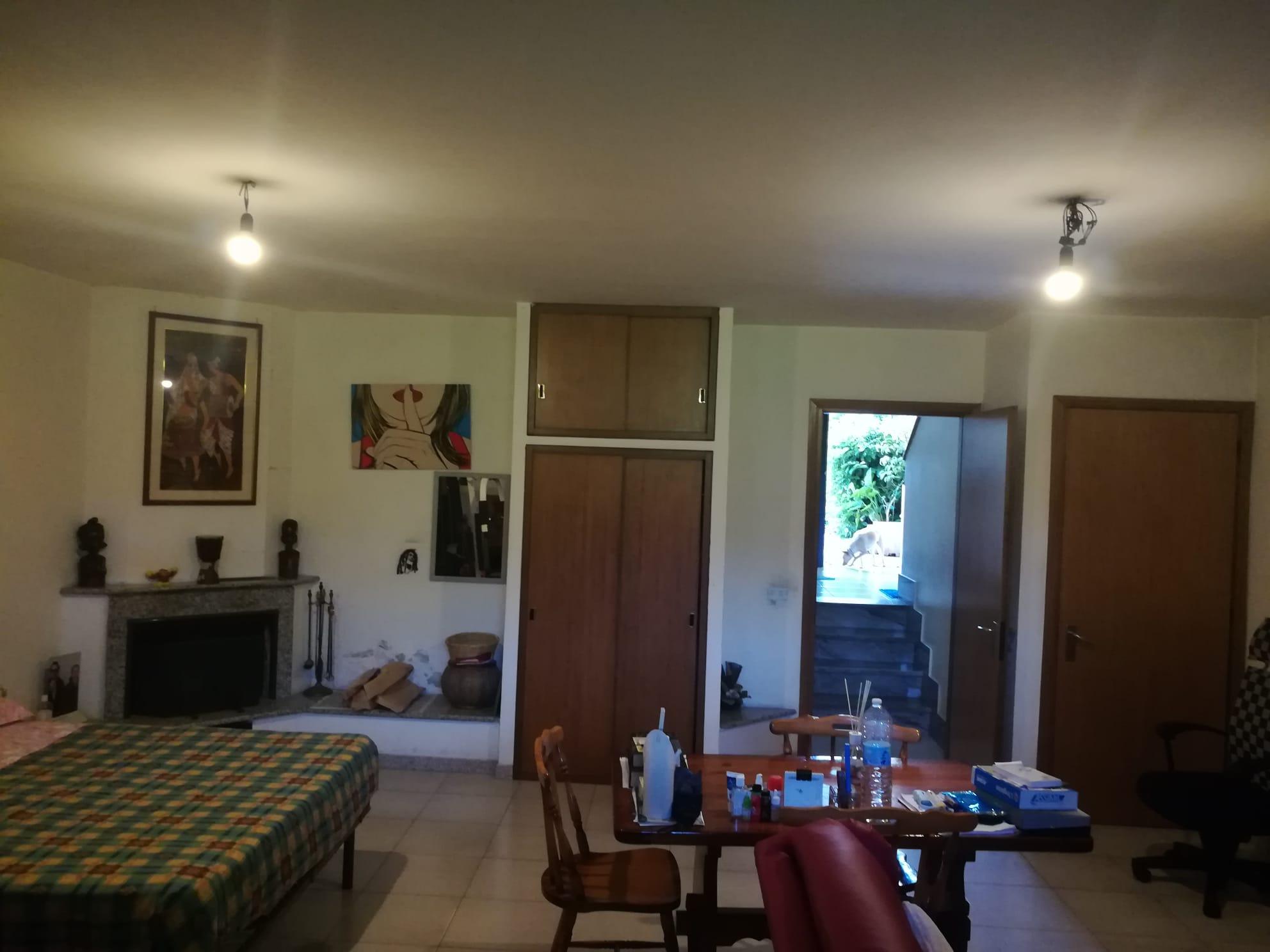https://www.progettocasa1.it/immagini_immobili/05-06-2020/soluzione-indipendente-vendita-colleferro-roma-via-fontana-delloste-13-811.jpg