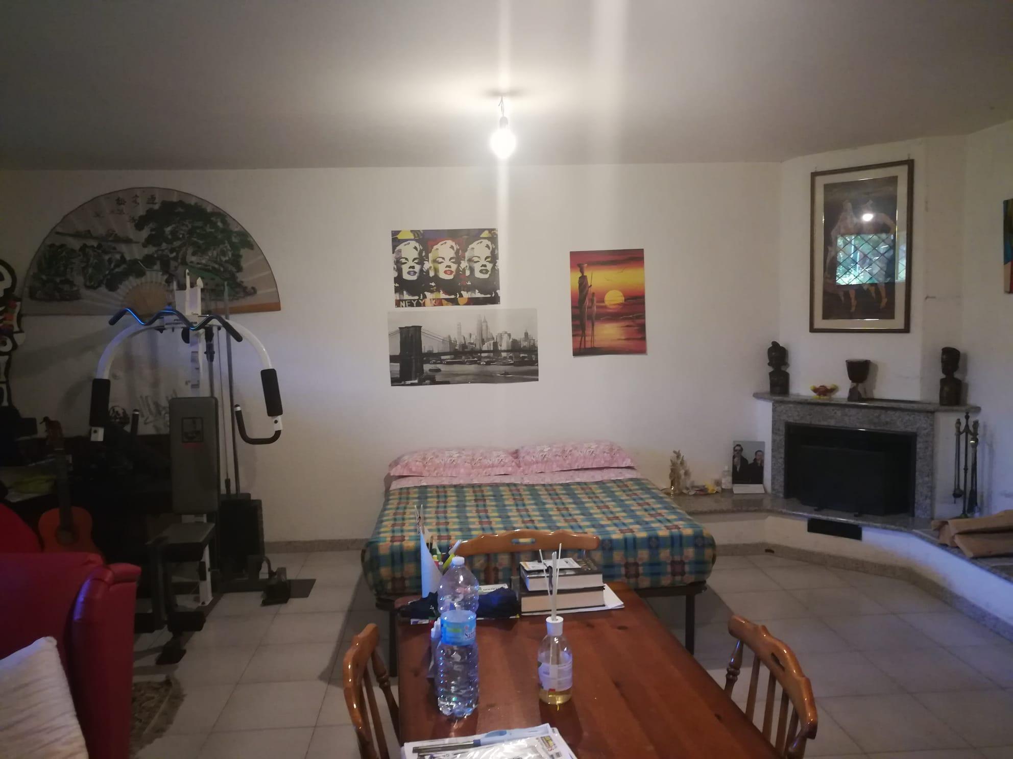 https://www.progettocasa1.it/immagini_immobili/05-06-2020/soluzione-indipendente-vendita-colleferro-roma-via-fontana-delloste-13-818.jpg