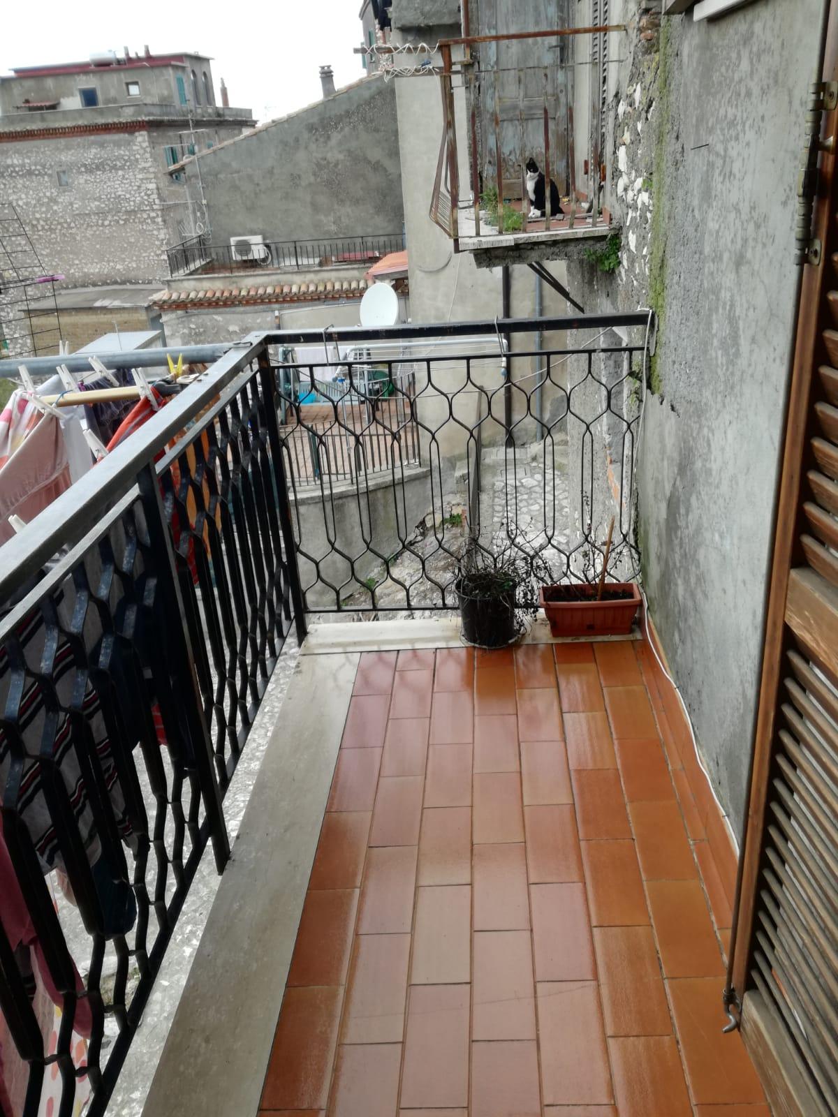 https://www.progettocasa1.it/immagini_immobili/05-12-2018/-vendita-gavignano-roma-via-regina-margherita-115-366.jpg