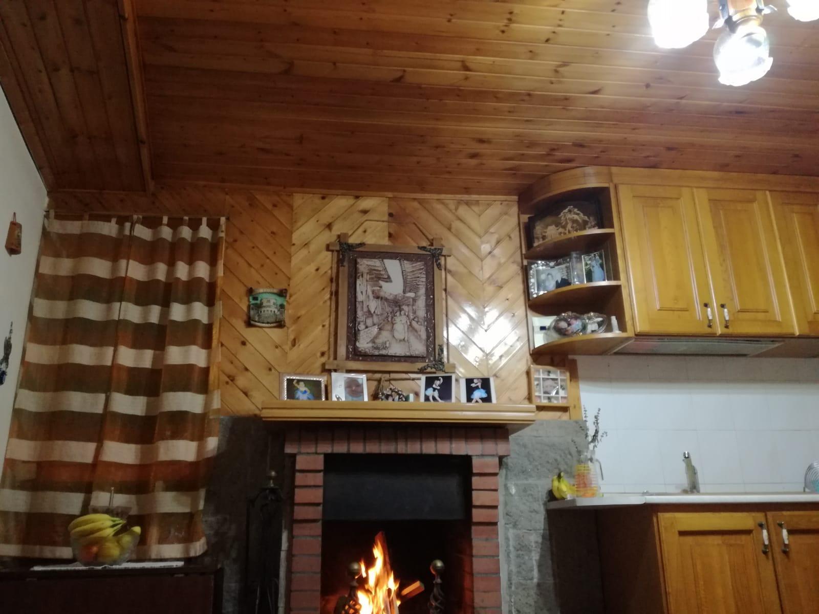 https://www.progettocasa1.it/immagini_immobili/05-12-2018/-vendita-gavignano-roma-via-regina-margherita-115-370.jpg