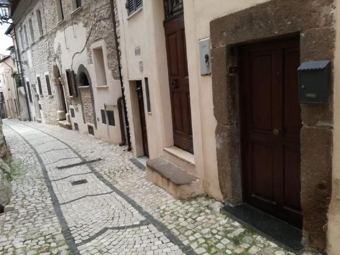 https://www.progettocasa1.it/immagini_immobili/05-12-2018/-vendita-gavignano-roma-via-regina-margherita-115-507.jpg