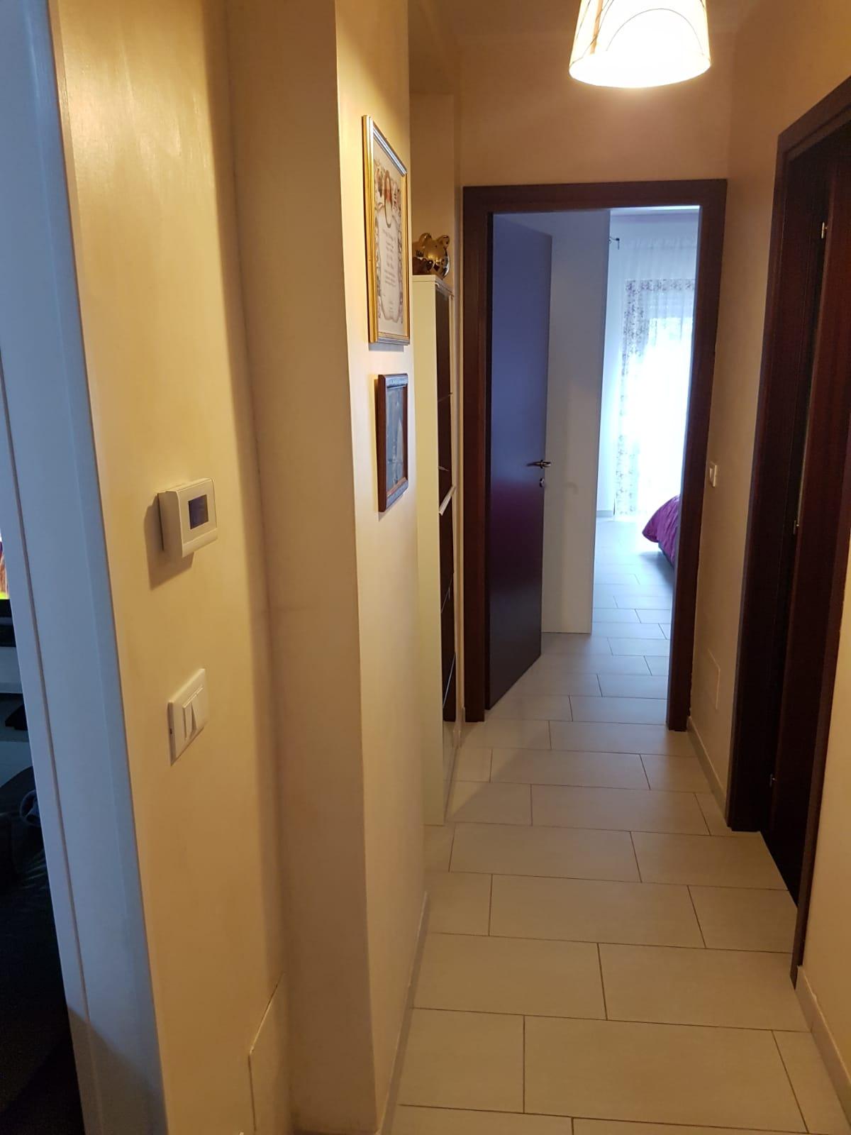 https://www.progettocasa1.it/immagini_immobili/06-02-2021/appartamento-vendita-montelanico-roma-via-giovanni-xxiii-670.jpg